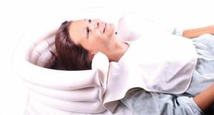 basen do mycia głowy w łóżku